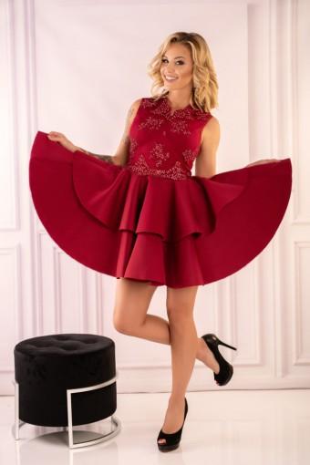 Bordowa sukienka rozkloszowana na wesele