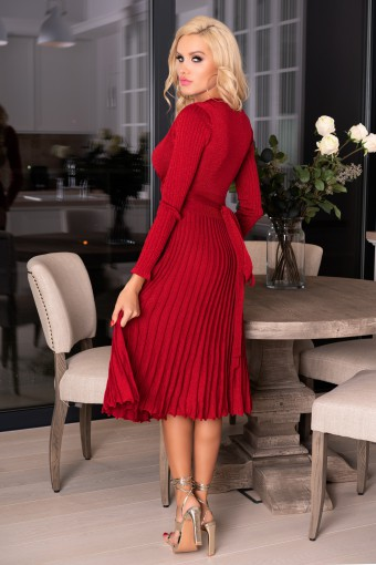 Bordowa sukienka plisowana midi