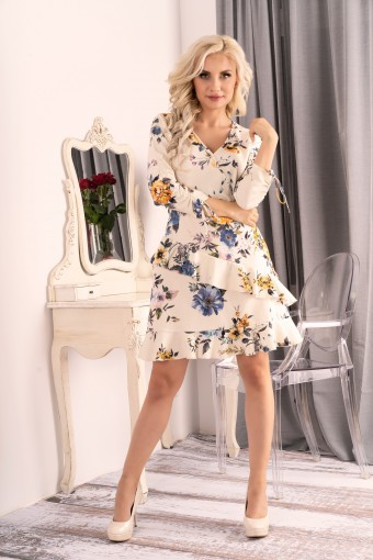 Kremowa sukienka w kwiaty z falbankami