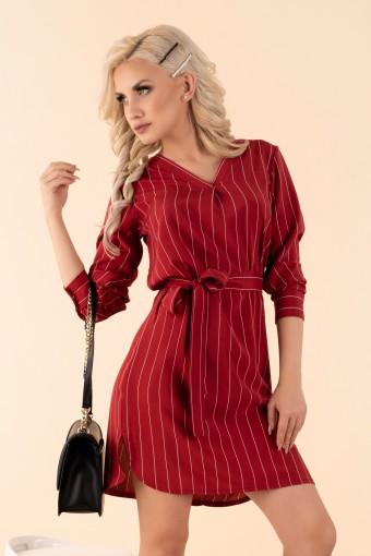 Bordowa sukienka w paski