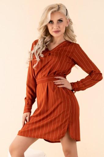 Ceglana sukienka w paski