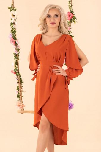 Pomarańczowa sukienka z rozciętymi rękawami