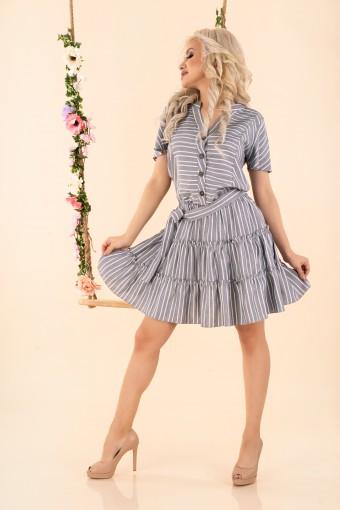 Szara sukienka rozkloszowana w paski