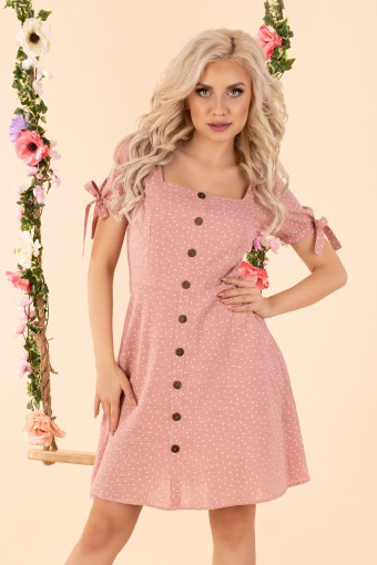 Różowa sukienka w groszki z prostokątnym dekoltem