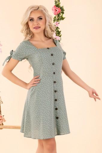 Miętowa sukienka w groszki z prostokątnym dekoltem