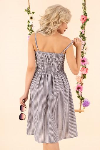Szara sukienka w paski na ramiączkach