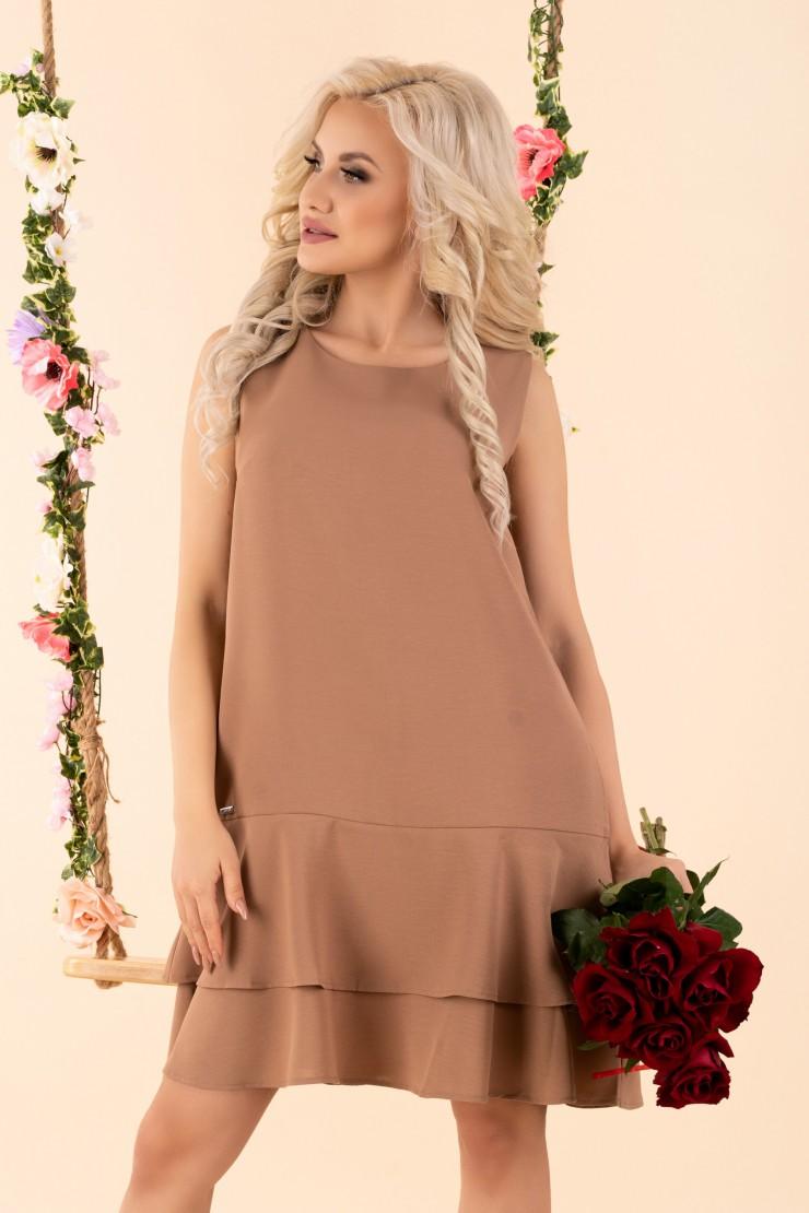 Brązowa sukienka trapezowa z falbankami