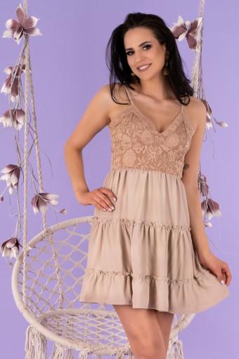 Beżowa sukienka mini na cienkich ramiączkach