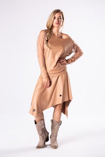 Beżowa bluzka z asymetryczną spódnicą