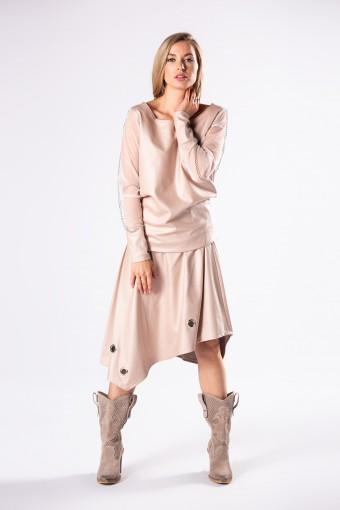 Bluzka z asymetryczną spódnicą