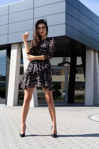 Zwiewna sukienka z falbankami
