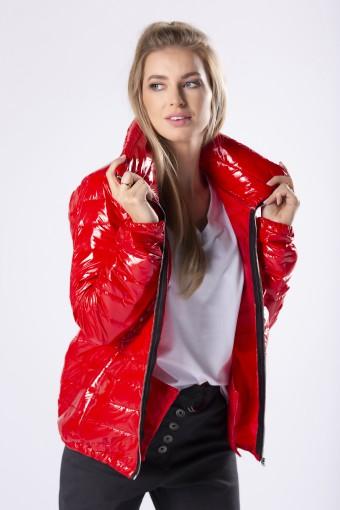 Czerwona kurtka błyszcząca