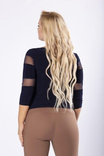Granatowa bluzka z tiulowymi wstawkami na rękawach i dekolcie