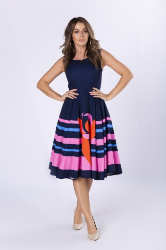 Sukienka midi z rozkloszowanym dołem w kolorowe pasy