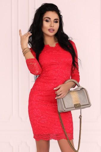 Czerwona sukienka mini koronkowa
