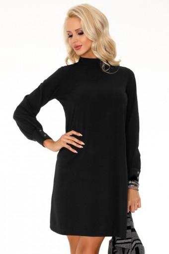 Czarna sukienka trapezowa