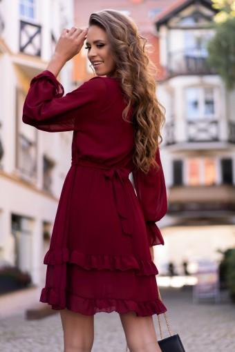 Bordowa sukienka z falbankami