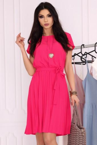 Rozkloszowana sukienka z plisowanym dołem