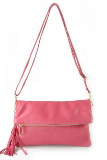 Różowa torebka skórzana listonoszka