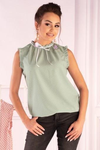 Zielona bluzka ze stójką bez rękawów w białe kropki