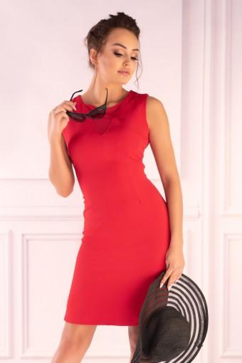 Czerwona sukienka ołówkowa na ramiączkach