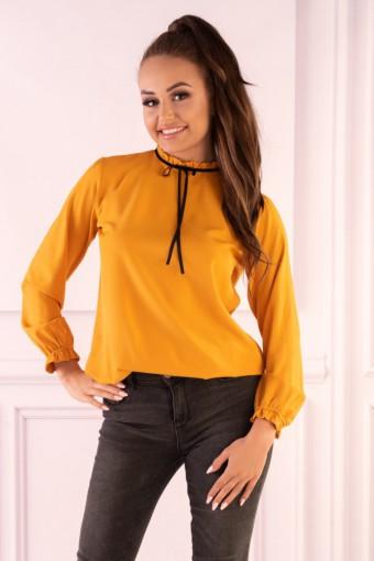 Żółta bluzka z długim rękawem i stójką