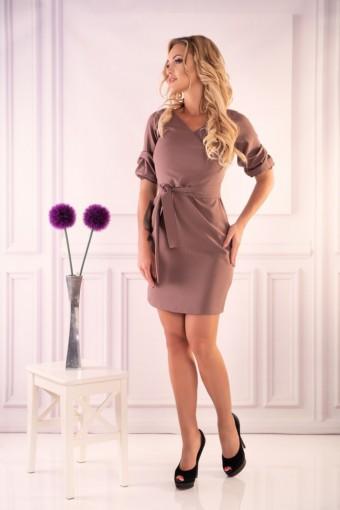 Elegancka sukienka wiązania w pasie