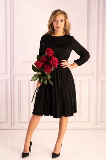 Czarna sukienka z plisowanym dołem