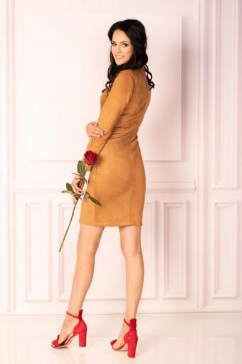 Karmelowa sukienka ze stójką